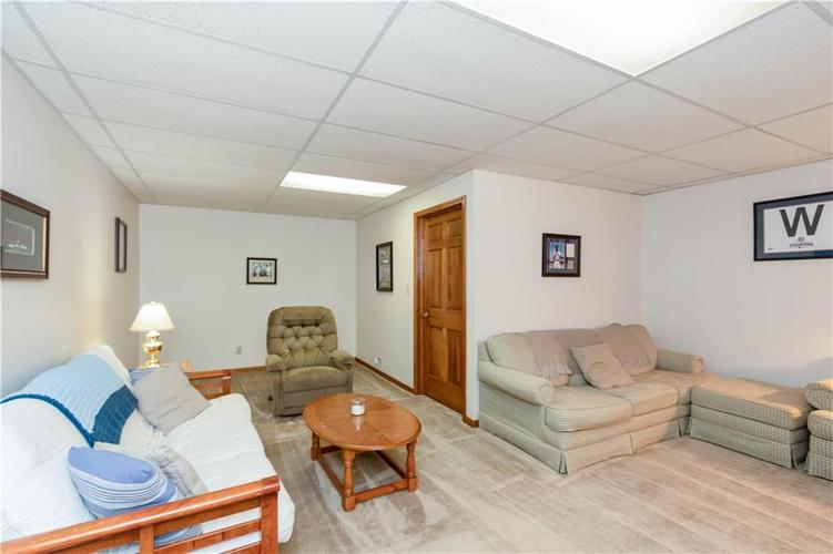 7428 Cherryhill Drive Indianapolis IN 46254 | MLS 21711023 | photo 24