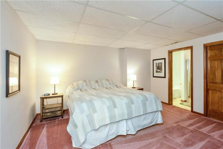 7428 Cherryhill Drive Indianapolis IN 46254 | MLS 21711023 | photo 27