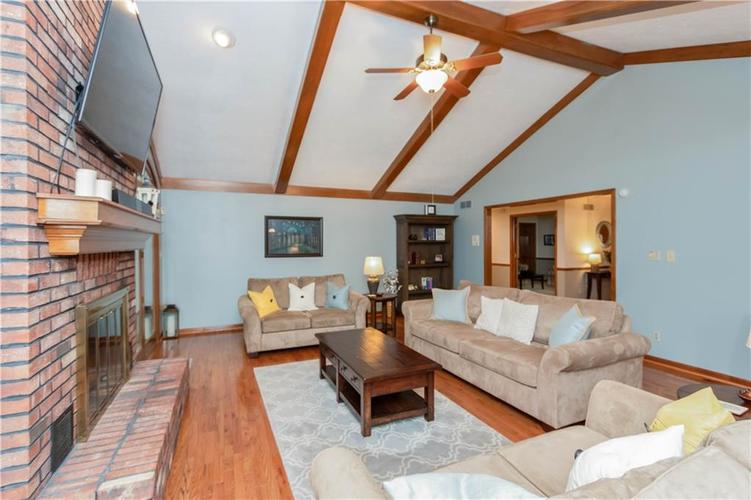 7428 Cherryhill Drive Indianapolis IN 46254 | MLS 21711023 | photo 7