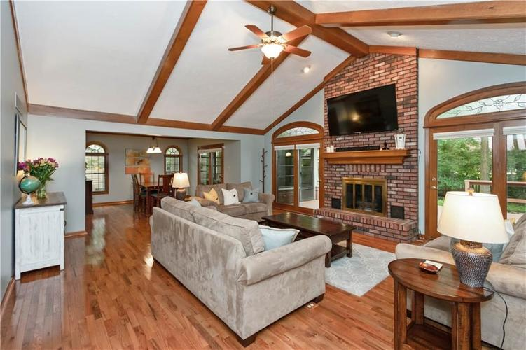 7428 Cherryhill Drive Indianapolis IN 46254 | MLS 21711023 | photo 8