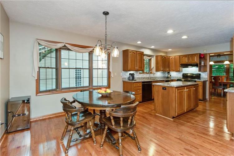 7428 Cherryhill Drive Indianapolis IN 46254 | MLS 21711023 | photo 9