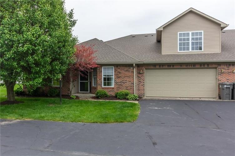 6215 Robinwood Drive Indianapolis IN 46237   MLS 21711096   photo 1