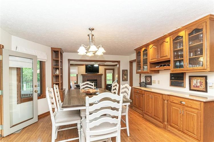 4625 Moss Lane Indianapolis IN 46237 | MLS 21711114 | photo 10