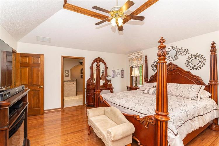 4625 Moss Lane Indianapolis IN 46237 | MLS 21711114 | photo 17