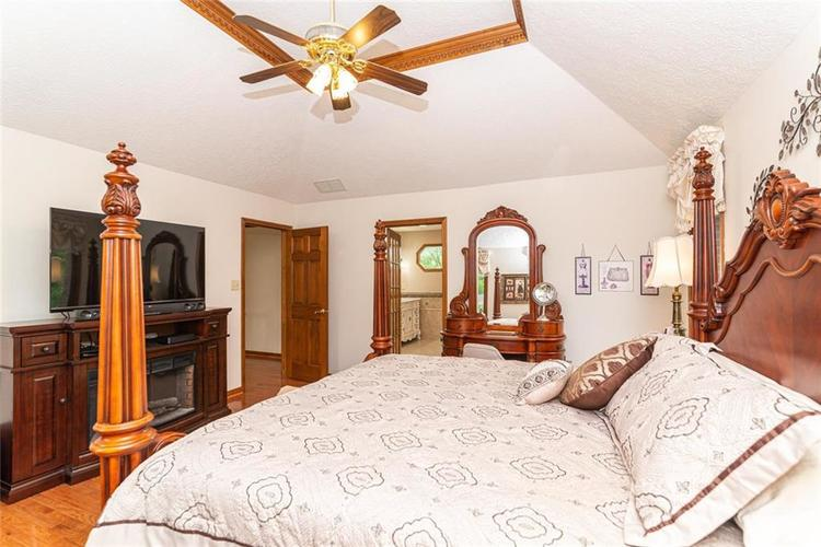 4625 Moss Lane Indianapolis IN 46237 | MLS 21711114 | photo 18