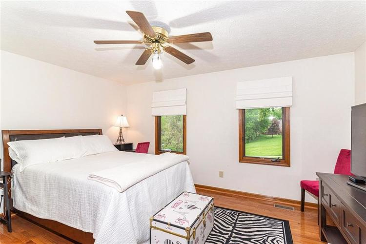 4625 Moss Lane Indianapolis IN 46237 | MLS 21711114 | photo 23