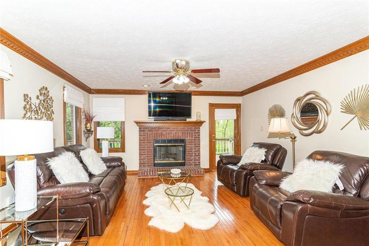 4625 Moss Lane Indianapolis IN 46237 | MLS 21711114 | photo 8