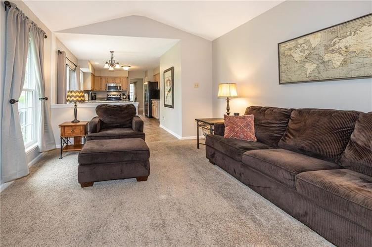 7982 Wolford Court Fishers IN 46038   MLS 21711180   photo 16