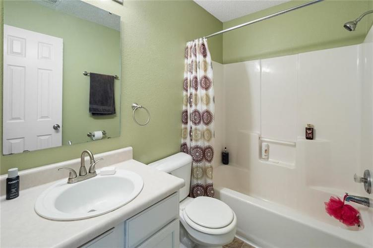 6608 Stanhope Drive Indianapolis IN 46254 | MLS 21711187 | photo 12