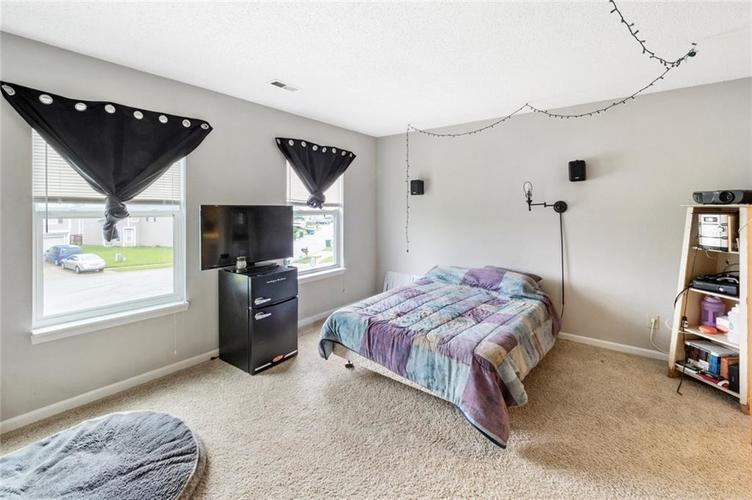 6608 Stanhope Drive Indianapolis IN 46254 | MLS 21711187 | photo 13