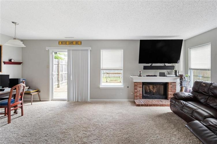 6608 Stanhope Drive Indianapolis IN 46254 | MLS 21711187 | photo 2