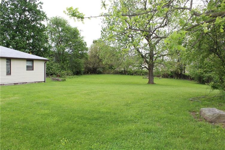 3221 W SMITH VALLEY Road Greenwood IN 46142   MLS 21711291   photo 14