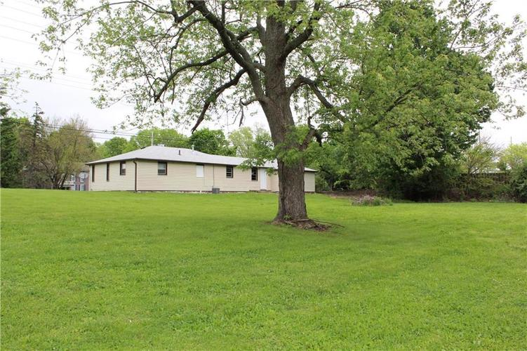 3221 W SMITH VALLEY Road Greenwood IN 46142   MLS 21711291   photo 3