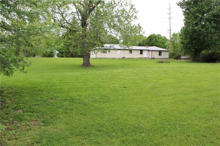 3221 W SMITH VALLEY Road Greenwood IN 46142   MLS 21711291   photo 4
