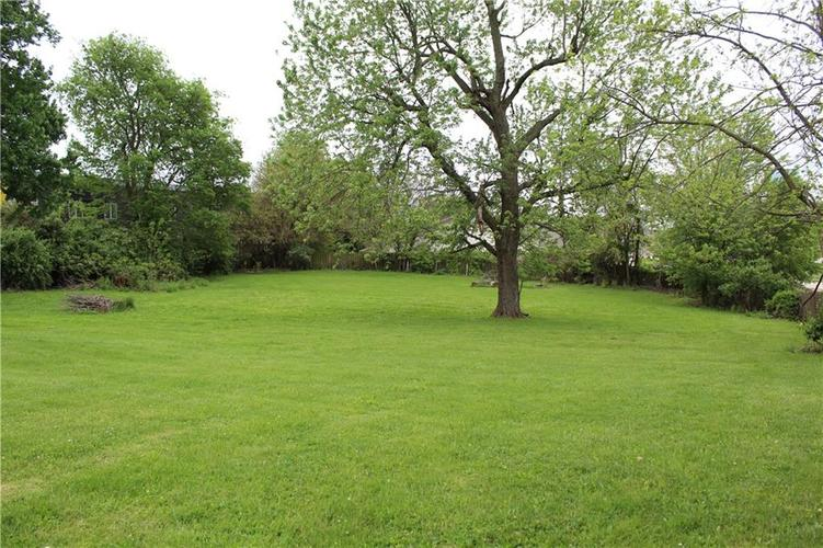 3221 W SMITH VALLEY Road Greenwood IN 46142   MLS 21711291   photo 5