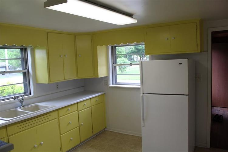 3221 W SMITH VALLEY Road Greenwood IN 46142   MLS 21711291   photo 7