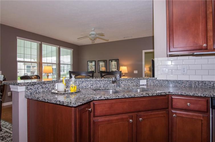 16103 Lambrusco Way Fishers IN 46037 | MLS 21711321 | photo 17