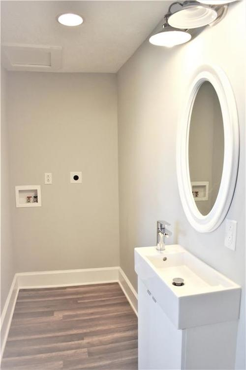 943 Albany Street Indianapolis IN 46203 | MLS 21711345 | photo 13