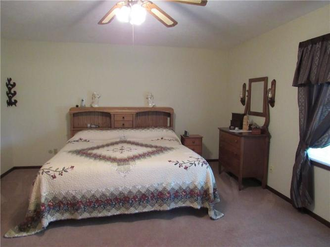 210 Circle Drive New Market IN 47965 | MLS 21711419 | photo 12