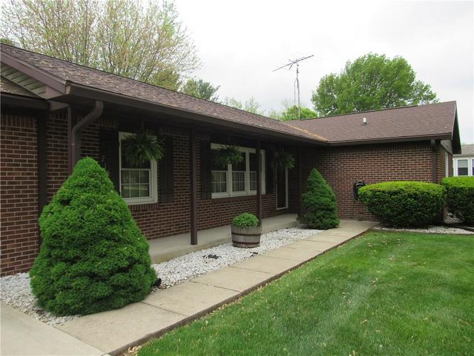 210 Circle Drive New Market IN 47965 | MLS 21711419 | photo 2