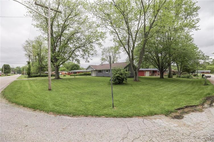 15 Brooklyn Court Mooresville IN 46158 | MLS 21711441 | photo 4