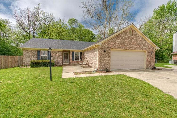 1128 Enchanted View Drive Mooresville IN 46158 | MLS 21711484 | photo 1