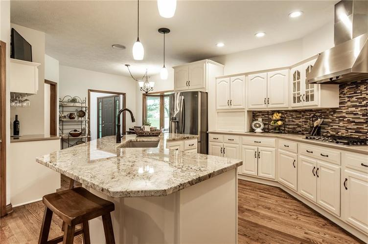 9212 Thoroughbred Boulevard Indianapolis IN 46278 | MLS 21711493 | photo 16