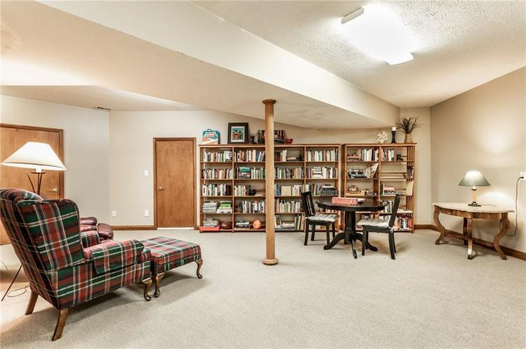 9212 Thoroughbred Boulevard Indianapolis IN 46278 | MLS 21711493 | photo 45
