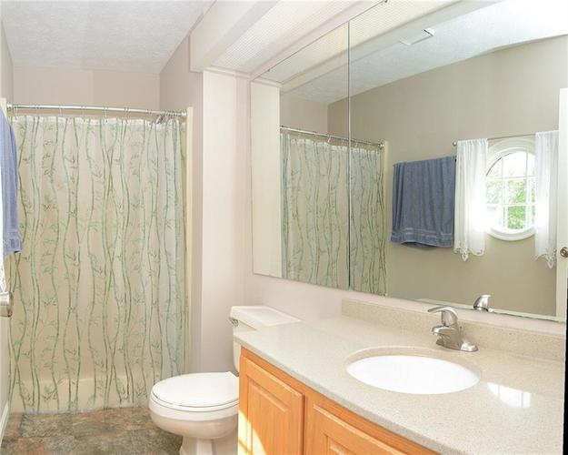 8090 CARDINAL COVE E Indianapolis IN 46256 | MLS 21711505 | photo 22