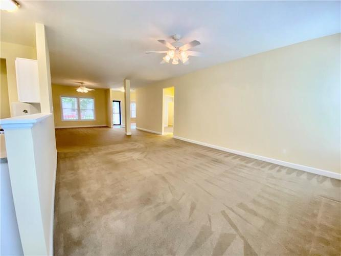 6556 Southern Cross Drive Indianapolis IN 46237 | MLS 21711538 | photo 22