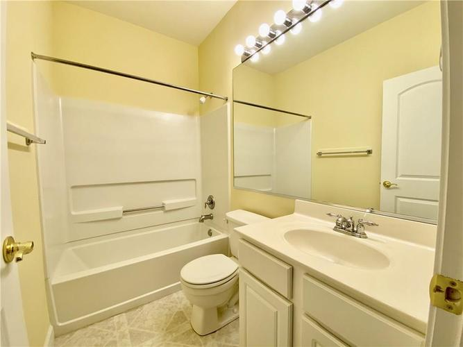 6556 Southern Cross Drive Indianapolis IN 46237 | MLS 21711538 | photo 27