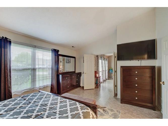 4130 Eagle Cove East Drive Indianapolis IN 46254 | MLS 21711558 | photo 15