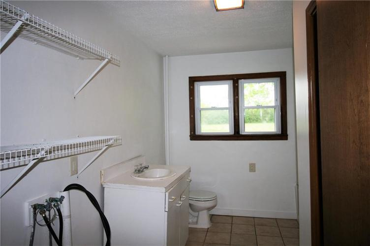 2343 E State Road 67 Anderson IN 46017   MLS 21711581   photo 12