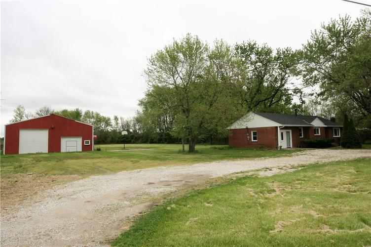 2343 E State Road 67 Anderson IN 46017   MLS 21711581   photo 3