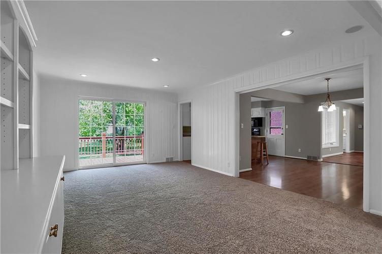 430 Spring Mill Lane Indianapolis IN 46260 | MLS 21711585 | photo 10