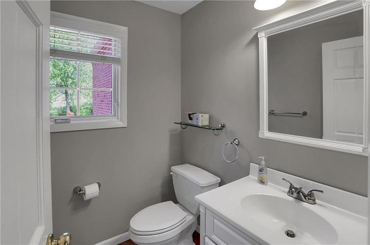 430 Spring Mill Lane Indianapolis IN 46260 | MLS 21711585 | photo 20
