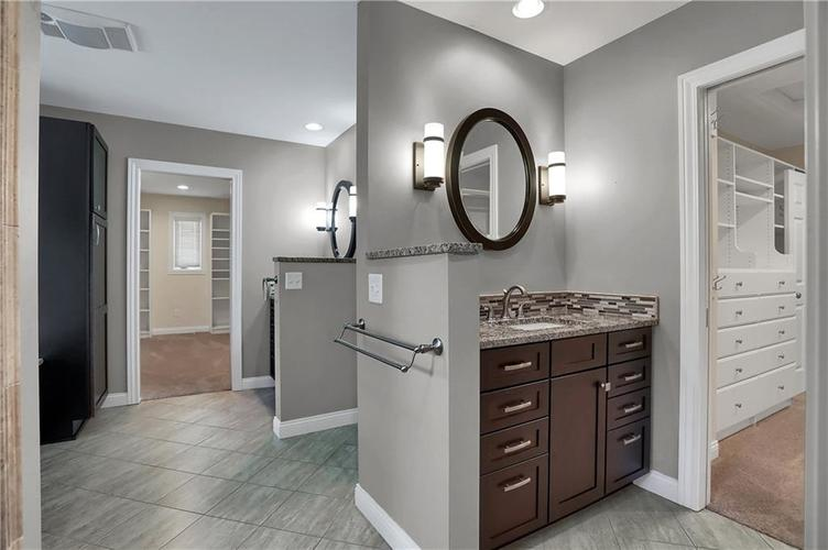 430 Spring Mill Lane Indianapolis IN 46260 | MLS 21711585 | photo 27