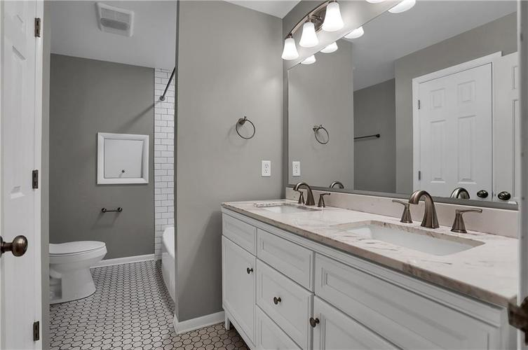 430 Spring Mill Lane Indianapolis IN 46260 | MLS 21711585 | photo 36