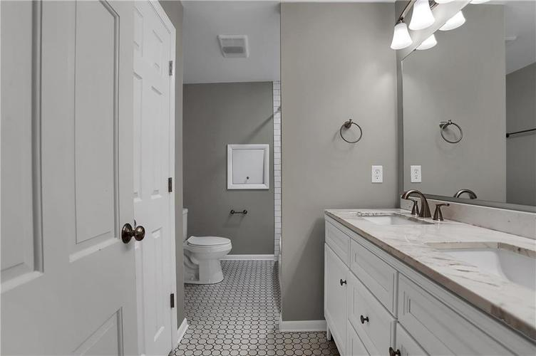 430 Spring Mill Lane Indianapolis IN 46260 | MLS 21711585 | photo 37