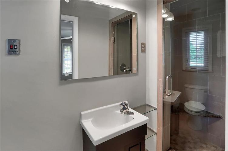 430 Spring Mill Lane Indianapolis IN 46260 | MLS 21711585 | photo 42