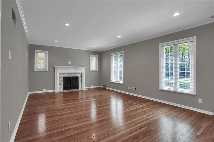 430 Spring Mill Lane Indianapolis IN 46260 | MLS 21711585 | photo 5