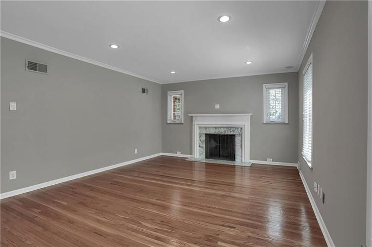 430 Spring Mill Lane Indianapolis IN 46260 | MLS 21711585 | photo 6