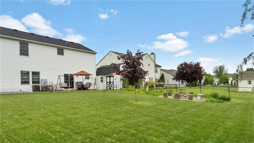 7233 Fields Drive Indianapolis IN 46239 | MLS 21711590 | photo 2
