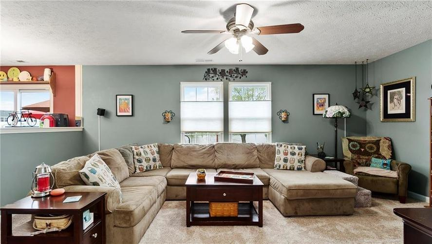 7233 Fields Drive Indianapolis IN 46239 | MLS 21711590 | photo 3