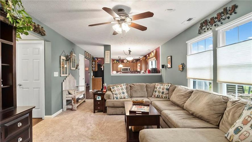 7233 Fields Drive Indianapolis IN 46239 | MLS 21711590 | photo 4