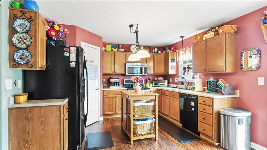 7233 Fields Drive Indianapolis IN 46239 | MLS 21711590 | photo 8