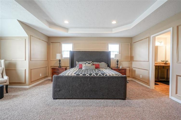 7711 Eagle Point Circle Zionsville IN 46077   MLS 21711705   photo 30