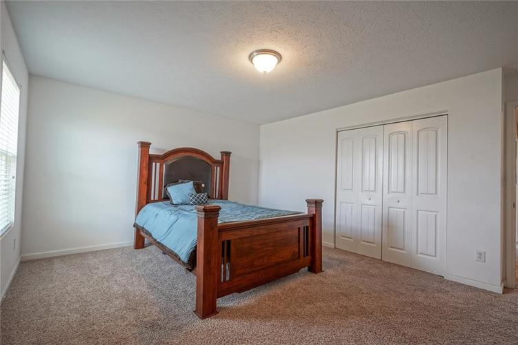 7711 Eagle Point Circle Zionsville IN 46077   MLS 21711705   photo 36