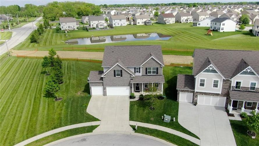 7711 Eagle Point Circle Zionsville IN 46077   MLS 21711705   photo 6