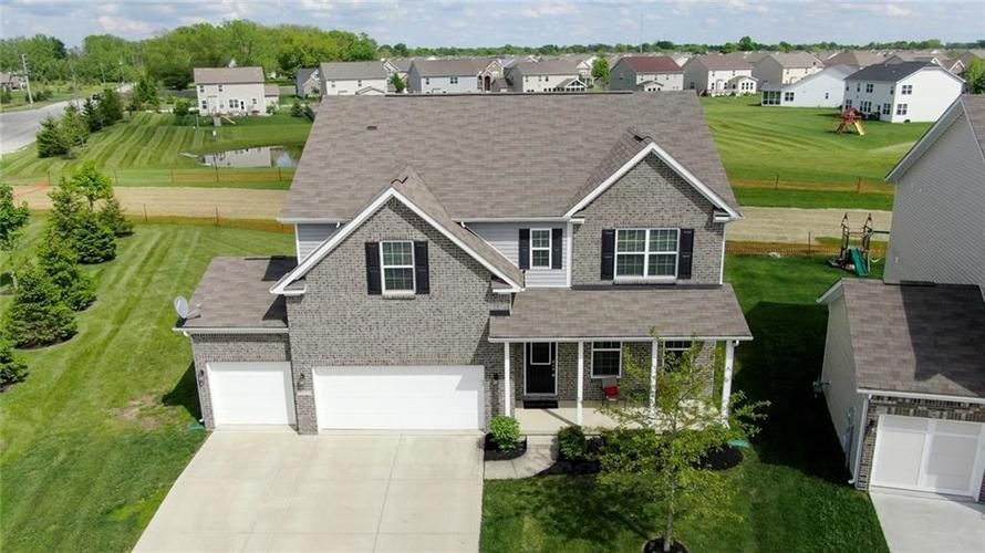 7711 Eagle Point Circle Zionsville IN 46077   MLS 21711705   photo 7